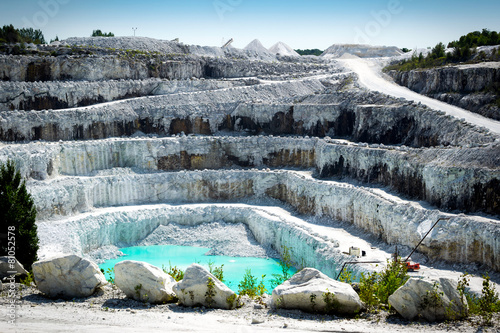 Open Pit White Marble Mine - 81052578
