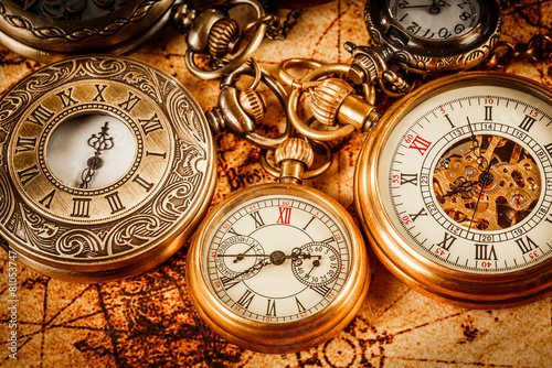 Vintage pocket watch - 81053747