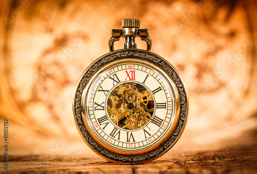 Vintage pocket watch - 81053762