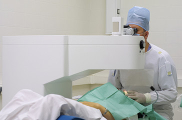 Lasik ophthalmology surgeon