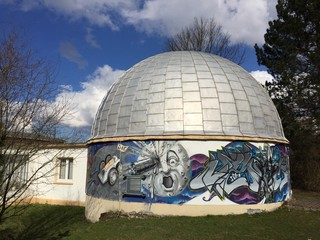 Sternwarte mit Graffiti