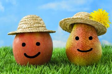 Apfel und Birne mit Gesicht