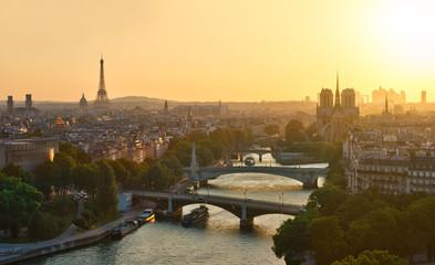 Tout Paris au coucher de soleil