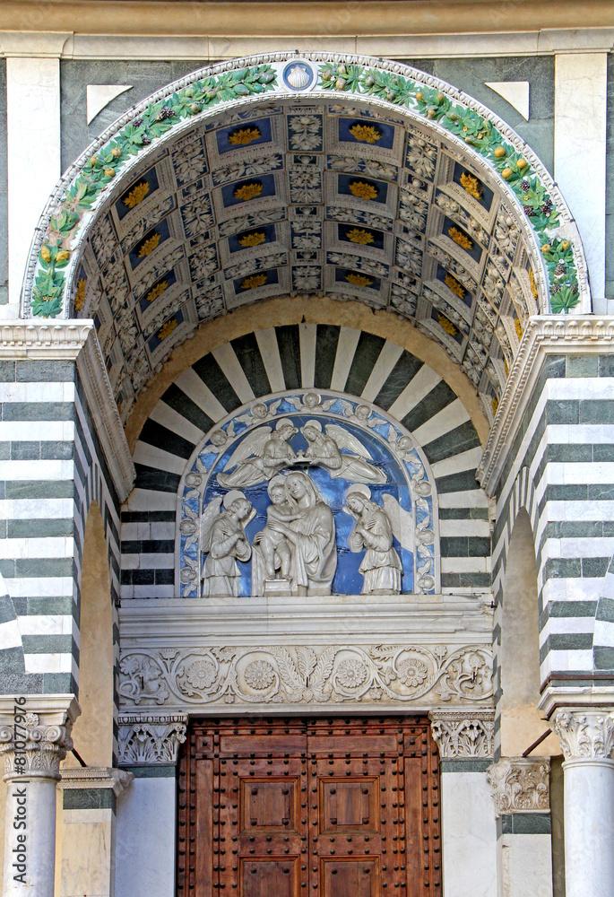 pistoia portal madonna - powiększenie