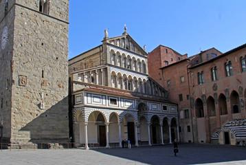 Duomo di Pistoia; la facciata