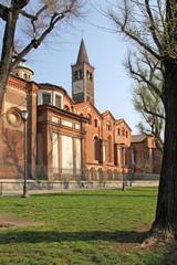 Milano; basilica di S. Eustorgio, cappelle sud e campanile