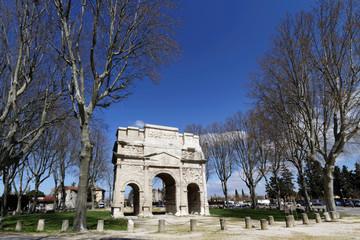 Arc de Triomphe d'Orange et place
