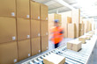 Leinwandbild Motiv versenden von Paketen im Onlinehandel