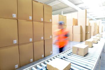 versenden von Paketen im Onlinehandel