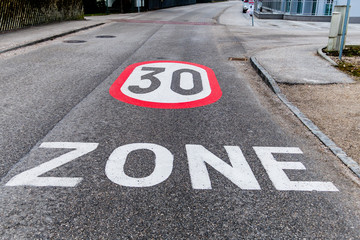 Tempo 30 Zone in der Stadt