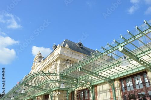 Leinwanddruck Bild Glasdach am Bahnhof