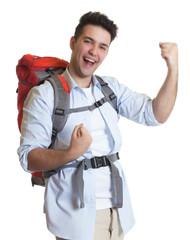 Erfolgreicher Backpacker am Ziel