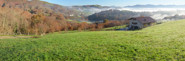 Foothills n the fog, Pays Basque