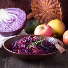 Spicy red cabbage stewed with apples and blackcurrant
