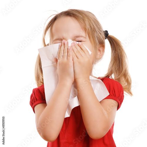 Leinwanddruck Bild kleines blondes Kind ist erkältet