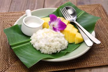 sticky rice with mango, khao niaow ma muang, thai sweet