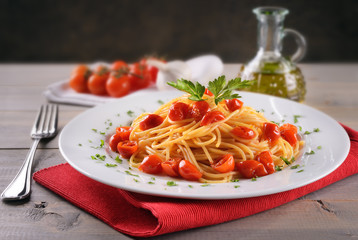 Spaghetti with cherry tomatoes pachino
