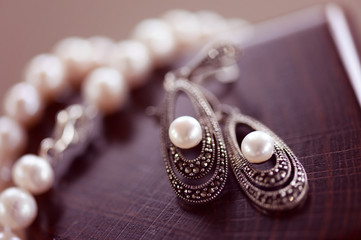 Pear earrings and necklace