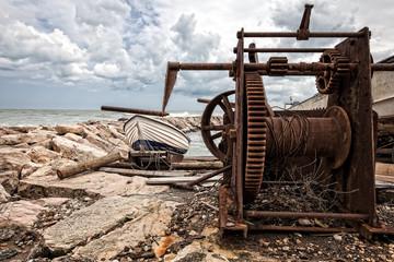 vecchio argano per barche