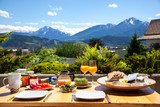 Frühstück in den Alpen