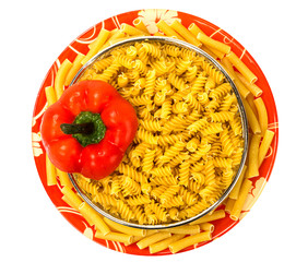 Macaroni with red pepper