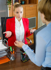 businesswoman conversation with collegue
