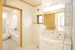 住まいの洗面室とバスルーム イメージ - 81149544