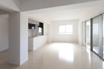 マンションのリビングダイニングキッチン 施工 イメージ シンプル家具なし
