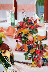 autumn cake decorated for wedding