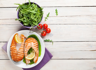 Grilled salmon and salad
