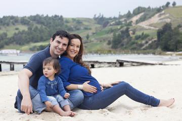 Familia en la Playa en las montañas