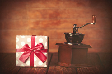 Coffee gringer and gift box