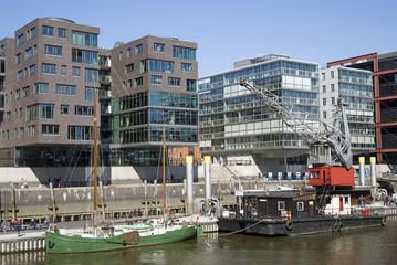 Alte Schiffe im Sandtorhafen in der Hafencity, Hamburg, Deutschl
