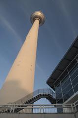 Fernsehturm.Torre de la televisión en Berlin