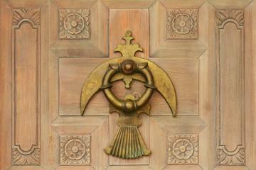 kapı tokmağı ve kapı işçiliği