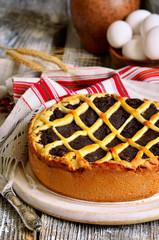 Makovnik - traditional ukrainian yeast pie.