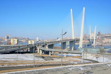 Мост через бухту Золотой Рог во Владивостоке