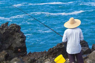 pêche au lancer sur côte de la Réunion