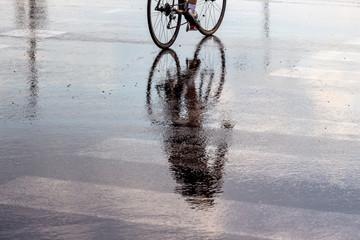 Radfahrer im Regen