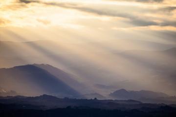 Sonnenuntergang und Wolkenhimmel