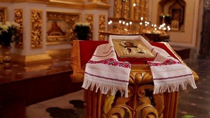 Beautiful icon in embroidered towels.