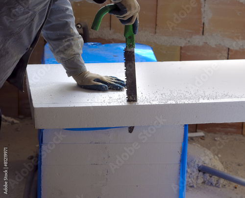 Worker size to fit a polystyrene panel with motion blure