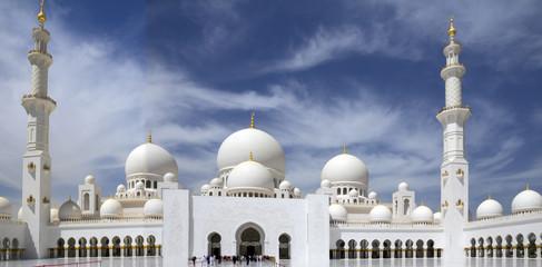 Обьединённые Арабские Эмираты. Абу-Даби. Белая мечеть.