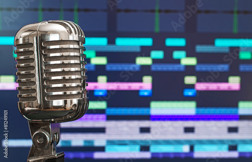 Retro microphone over recording software background. - 81249101