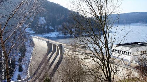 Staumauer und Talsperre Eibenstock im Erzgebirge