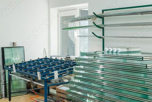 Leinwanddruck Bild Tempered Window Glass in a PVC Factory