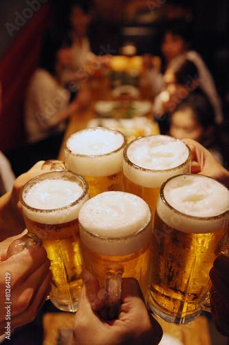 Keuken foto achterwand Ontspanning ビールで乾杯