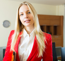 businesswoman  with   folder of documents