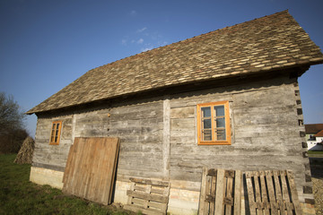 traditional way of building in turopolje