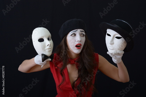 mata magnetyczna Dziewczyna jest MIME gospodarstwa teatralne maski w kapeluszach